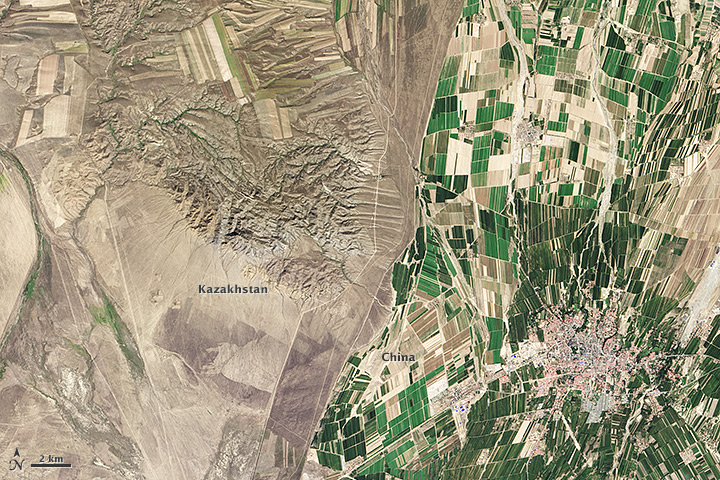 Landsat 8 satellite image showing northwestern China around the city of Qoqek and far eastern Kazakhstan near Lake Balqash
