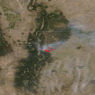 Terra satellite image of heat signatures and smoke from the Ute Fire in New Mexico