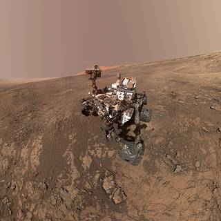 self-portrait of NASA's Curiosity Mars rover shows the vehicle on Vera Rubin Ridge in Gale crater on Mars